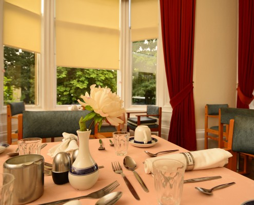 Dining room - table setting